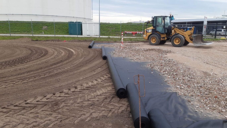 Nedabo B.V. - Het aanbrengen van prefab betonelementen.