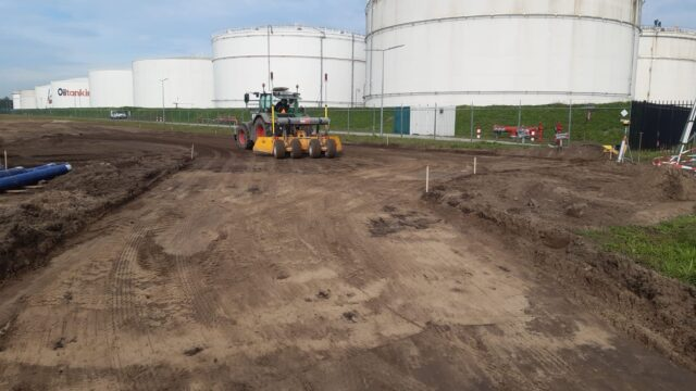 Nedabo B.V. - Het realiseren van grondwerk t.b.v. industrieplaten verharding.