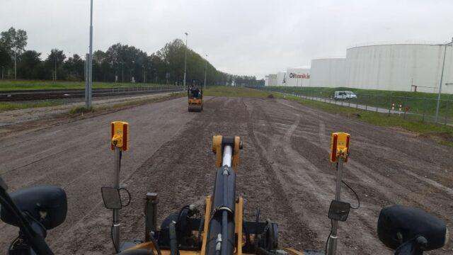 Nedabo B.V. - Voorbereidende grondwerkzaamheden t.b.v. betonplaten verharding.