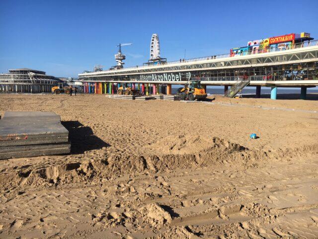 Nedabo B.V. - Het aanbrengen van betonplaten in Scheveningen