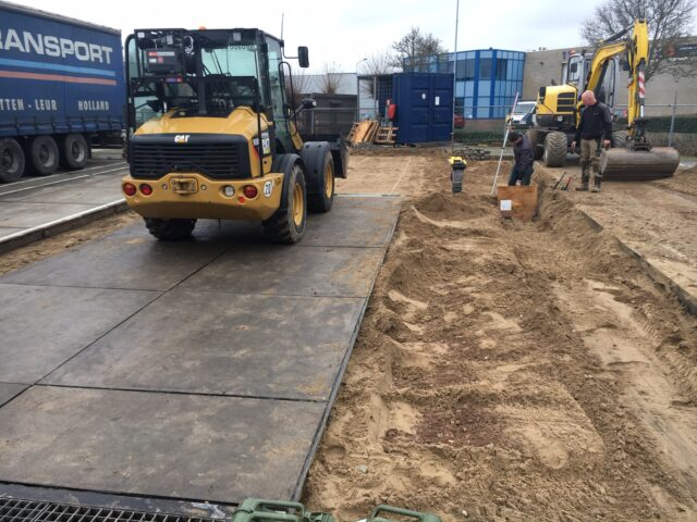 Nedabo B.V. - Het aanbrengen van betonplaten t.b.v. wasplaats.