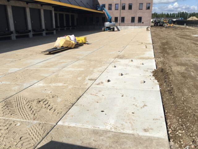 Nedabo B.V. - Het leveren van nieuwe betonplaten.
