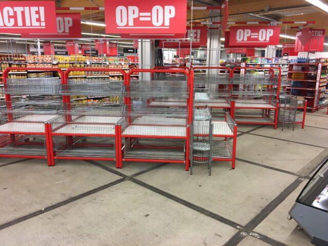 Nedabo B.V. - Tijdelijke verharding Stelconplaten met terugkoop in supermarkt Dirk van den Broek
